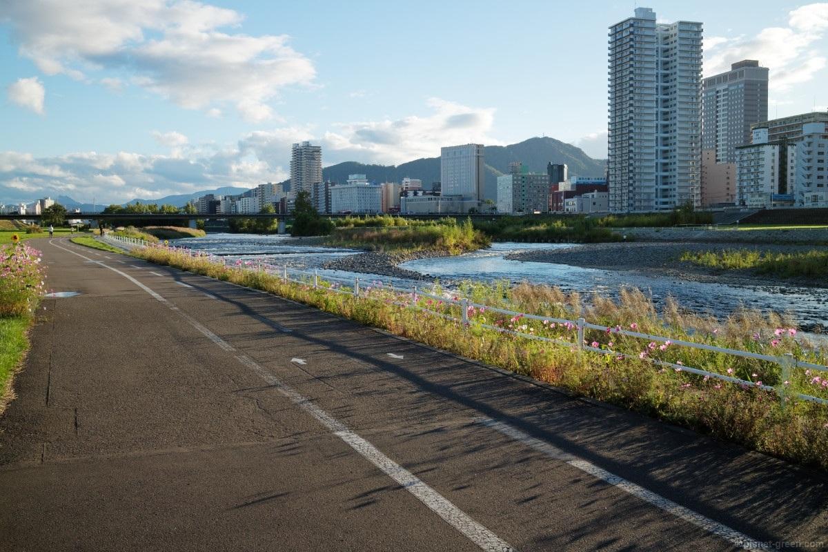 札幌市・豊平川のサイクリングロード