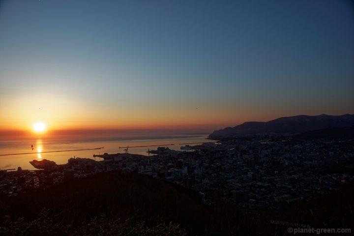 小樽市・旭展望台から眺める日の出
