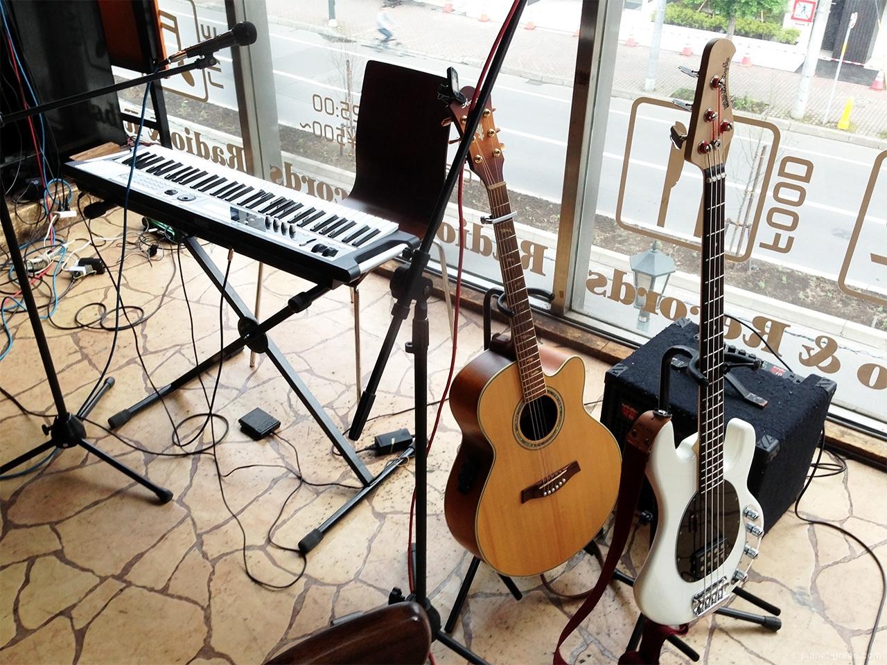 Musicmanスティングレイ - ミニライブにて