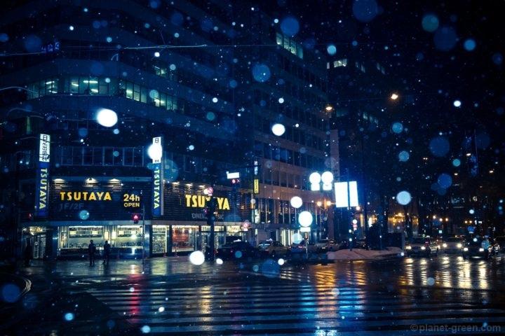 札幌・冬のスクランブル交差点