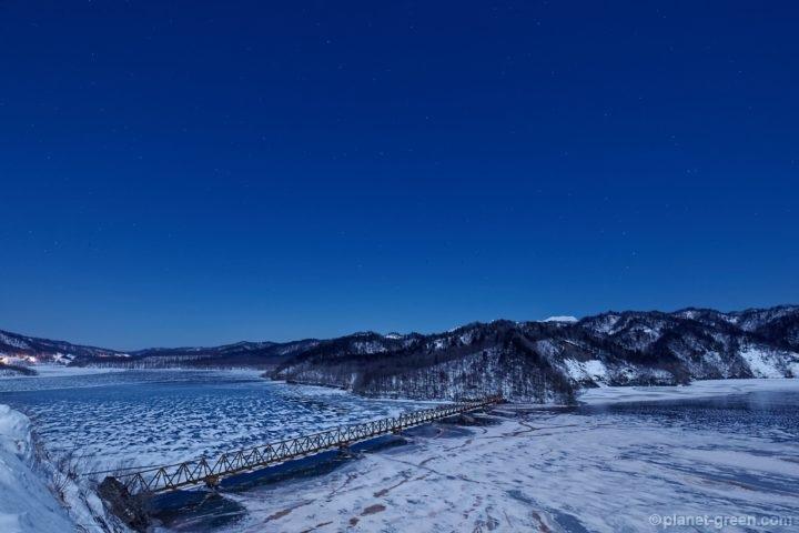 三弦橋 | 北海道夕張市のシューパロ湖にて