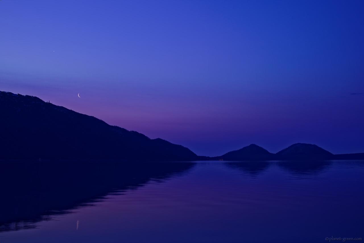 支笏湖畔の朝