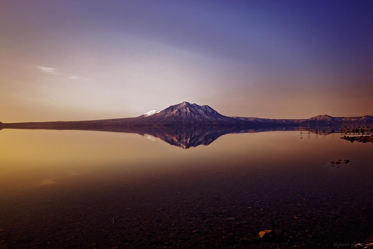 支笏湖と風不死岳、樽前山