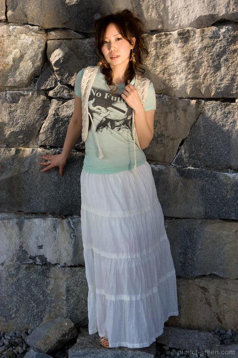 雨宮エリカさん   モエレ沼公園・ガラスのピラミッドにて
