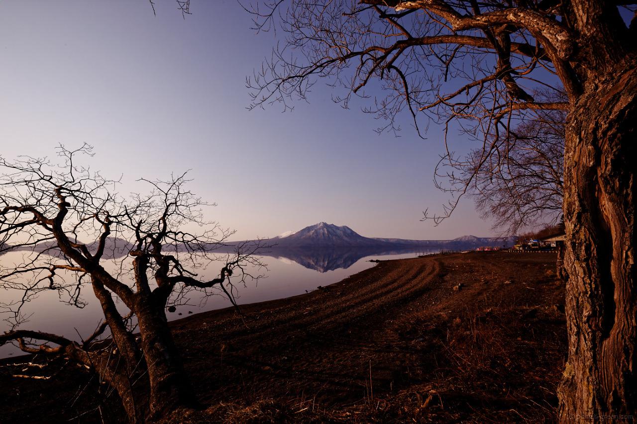 支笏湖畔にて