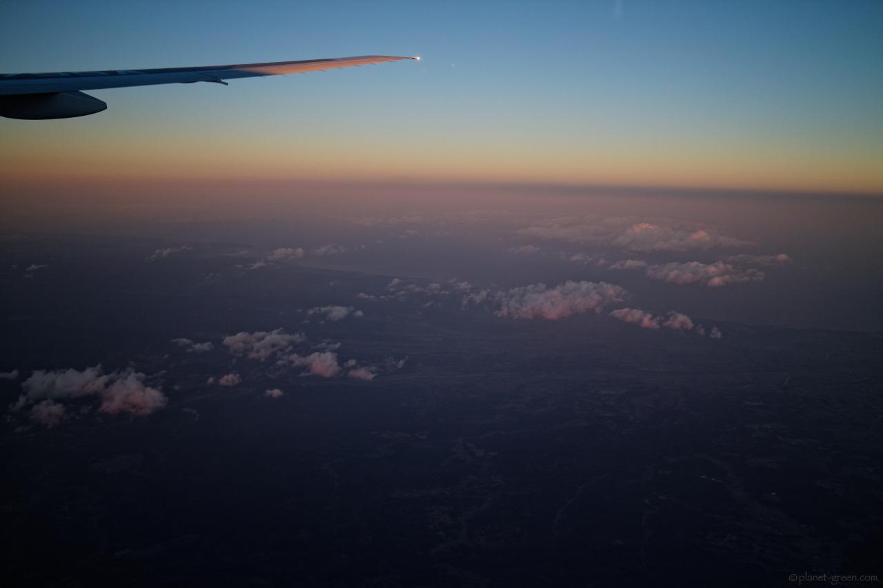 羽田から新千歳空港に向かう機上にて