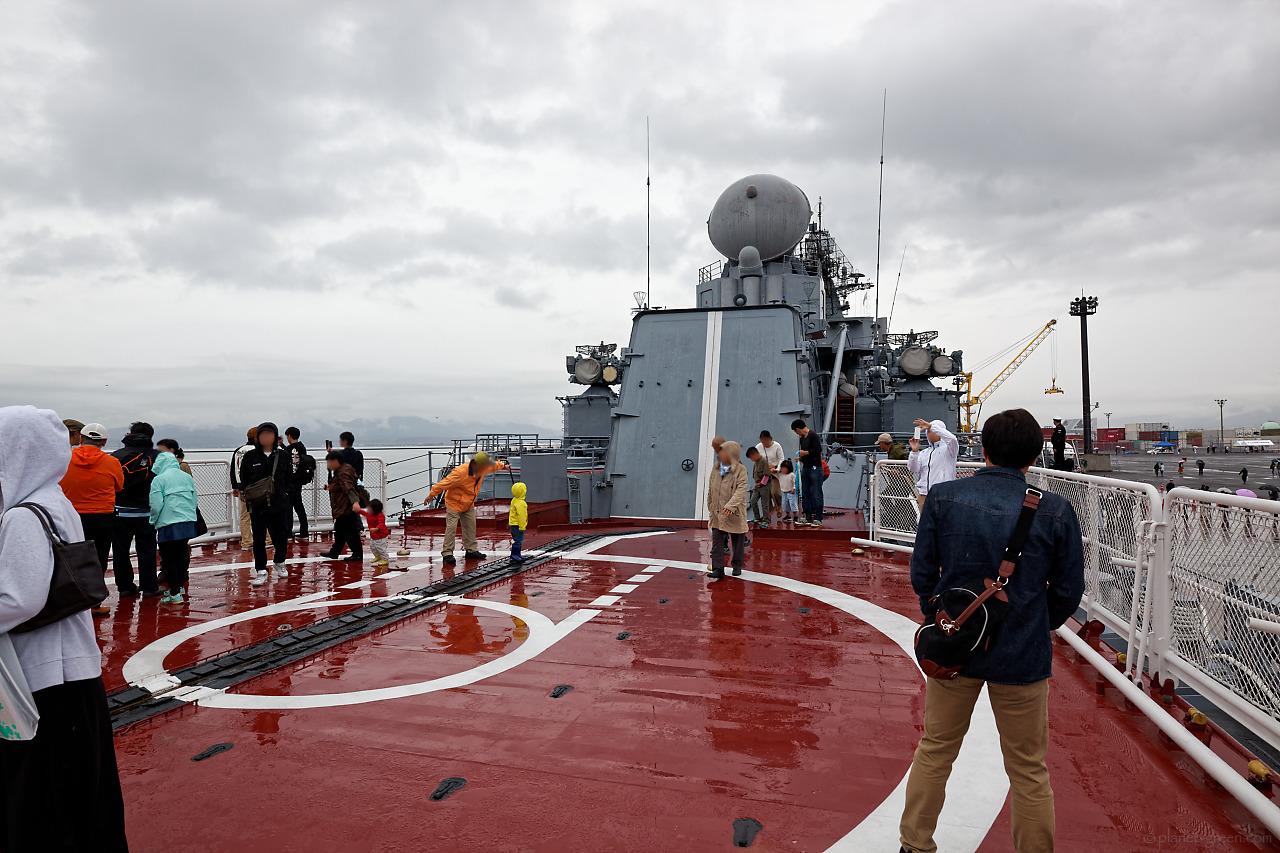 ロシア海軍ミサイル巡洋艦ヴァリャーグ(Варяг)の後部デッキ