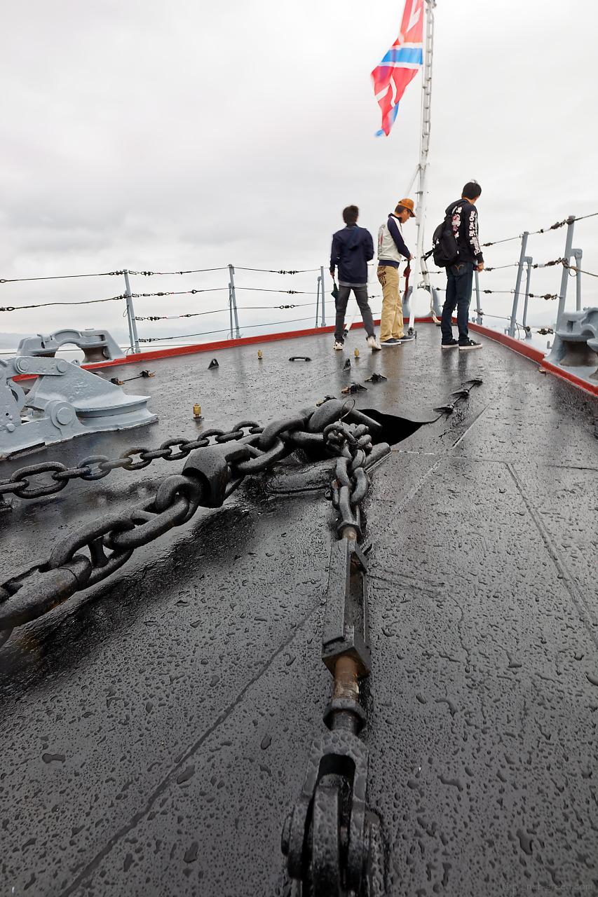 ロシア海軍ミサイル巡洋艦ヴァリャーク(Варяг)の船首